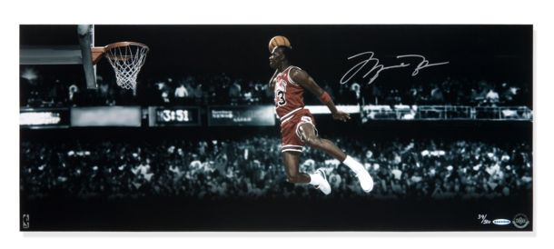 Michael Jordan Autographed Hall of Fame 2009 Editi