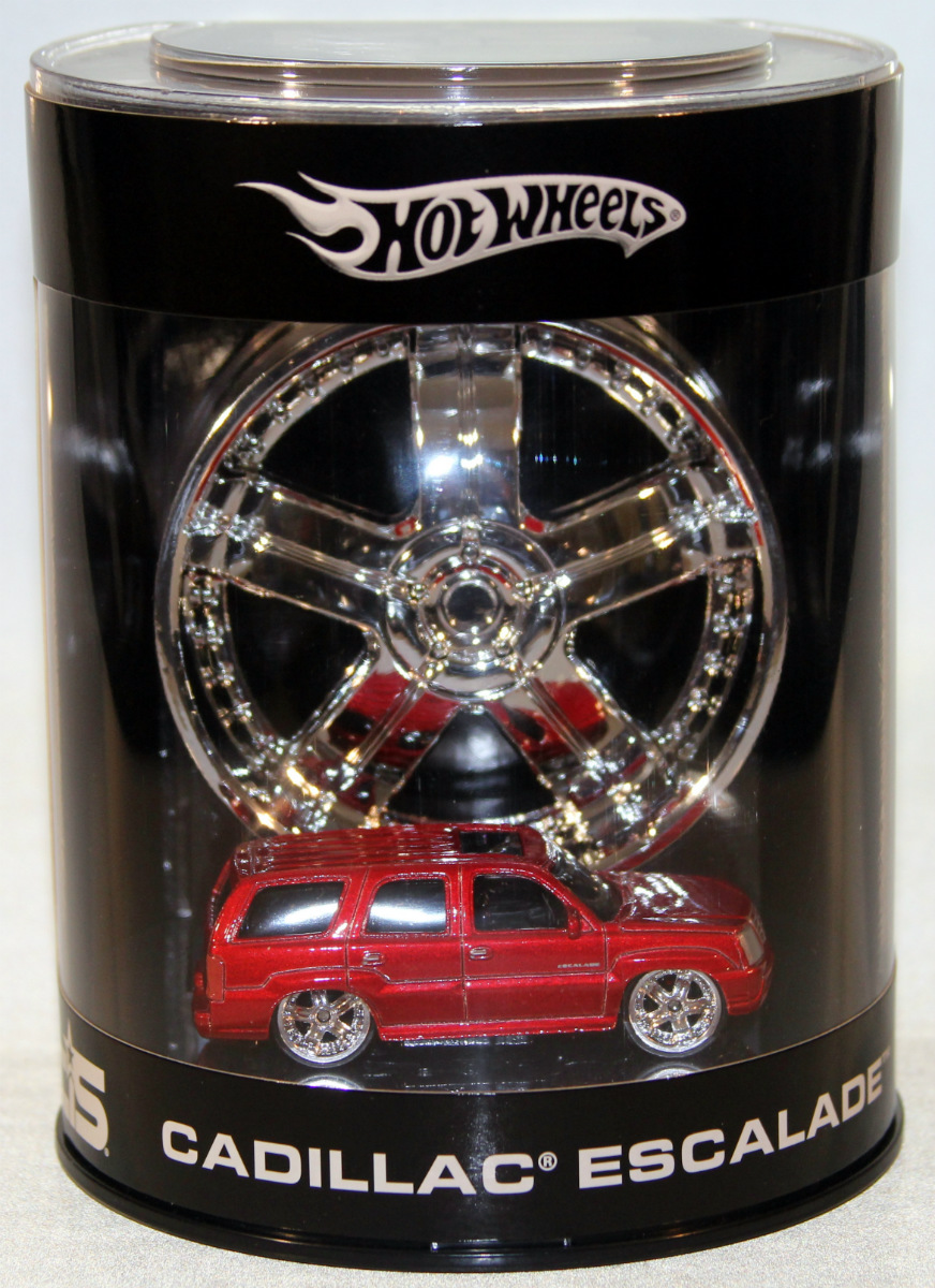 Hot Wheels Cadillac Escalade Red 2005 1:64 New #G7