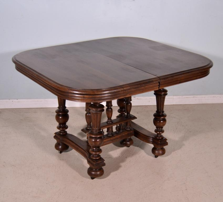 antique french solid walnut dining table henri ii style. Black Bedroom Furniture Sets. Home Design Ideas