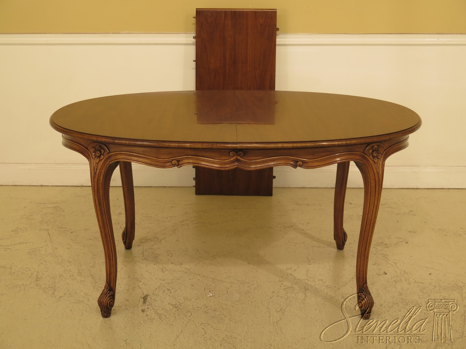 L30468ec Karges French Style Walnut Dining Room Table Ebay