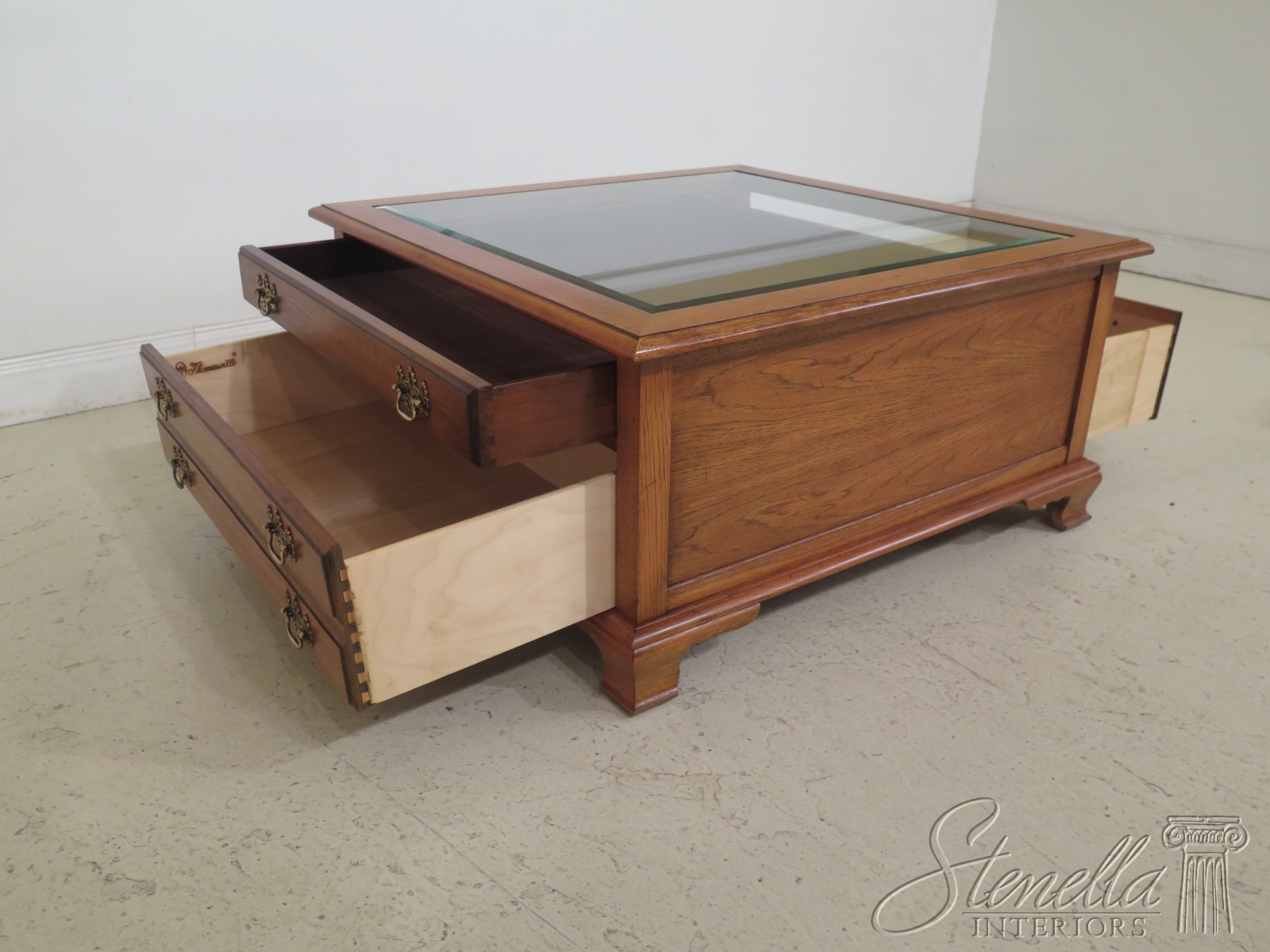 Details About 48214ec Thomasville Beveled Glass Curio Top Coffee Table