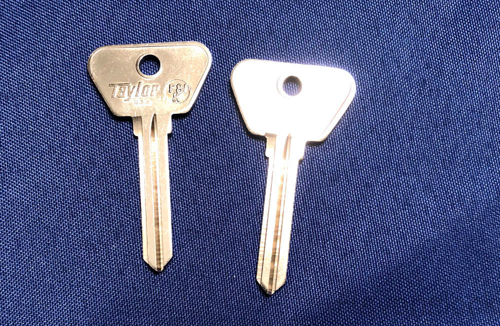 Vintage Auto Key F81K (DL CE1)  for Ford (See Char
