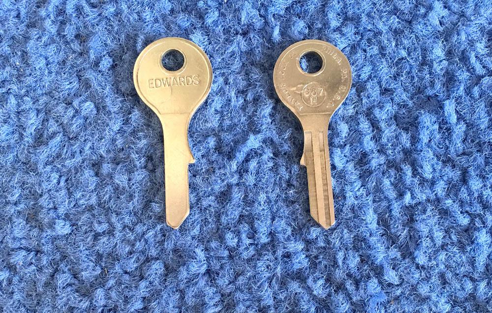 Vintage Auto Key G67N