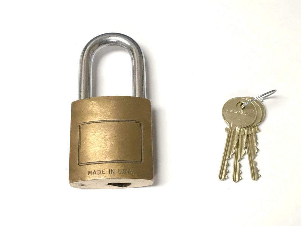 Medeco Padlock w/ 3 keys 6 PIN biaxial