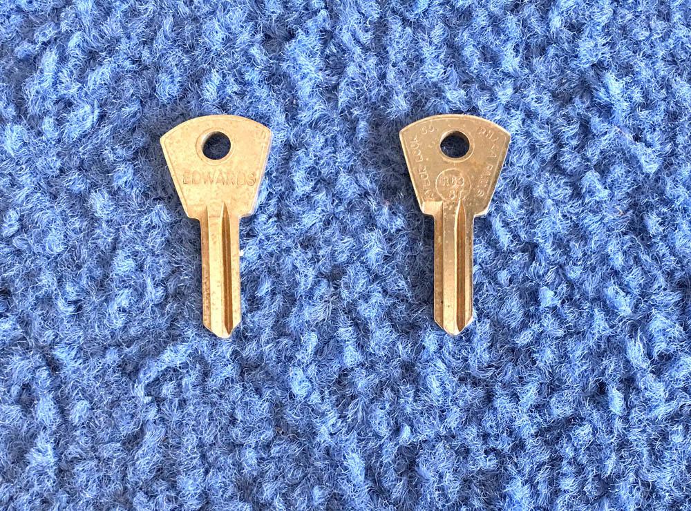 Foreign Auto Key Blank R63ST (DL R63ST, ILCO F61FR