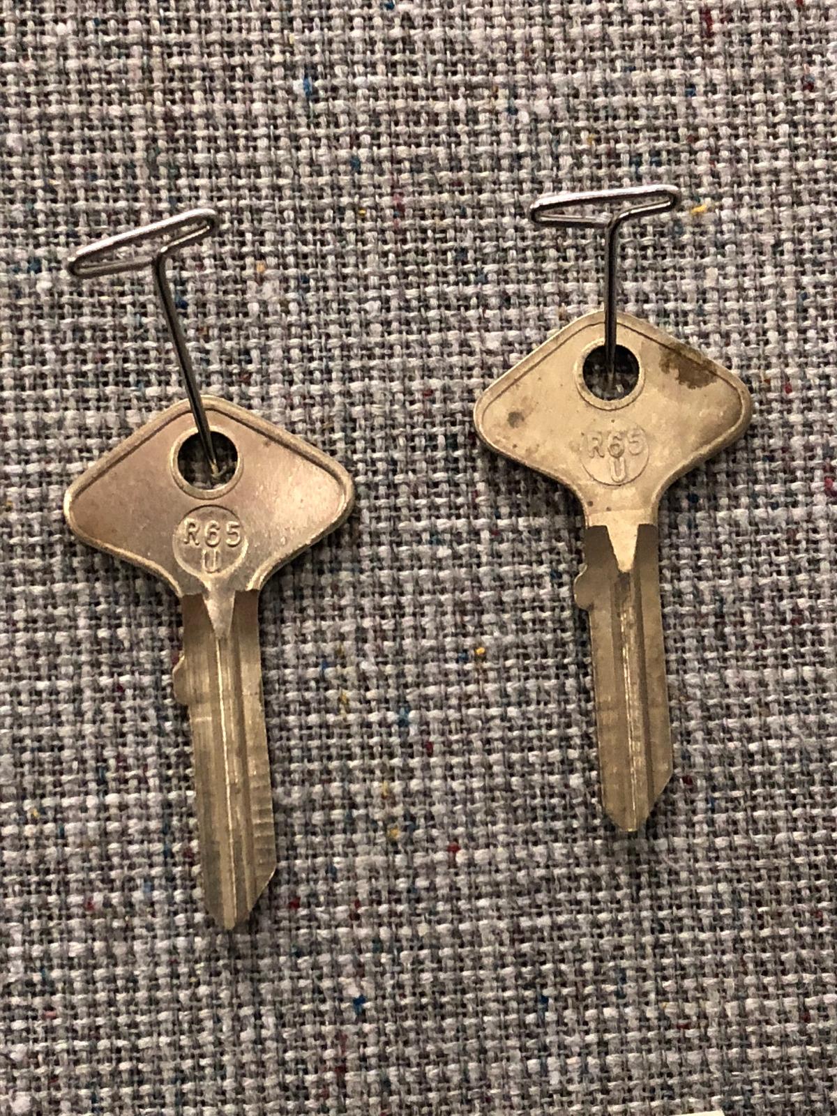 Foreign/Vintage Auto Key Blank: Taylor R65U (DL 6