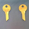 Vintage Foreign Auto Key Blank Y80Z