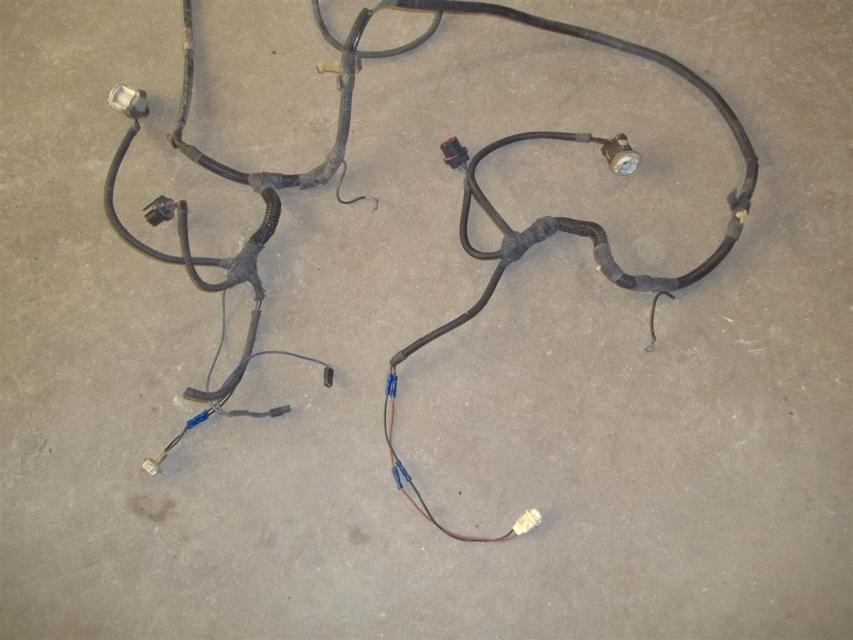 89 Ford Mustang Headlight Partial Engine Harness 1989 23l Mt Wiring Please Look At The Pics And Check Your Interchanges To Be Sure This Will Fit What You Need It For We Do Our Best Describe