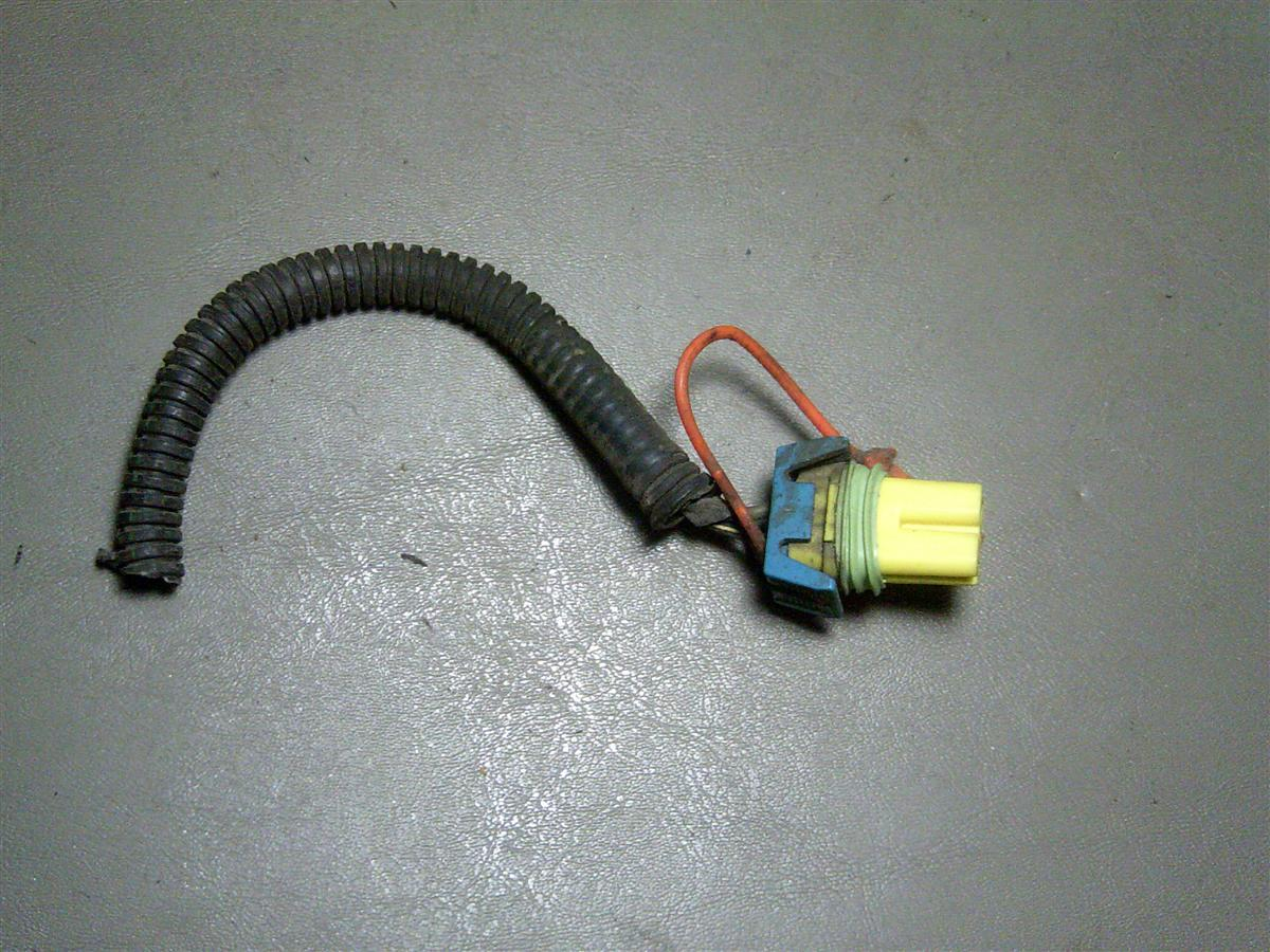95 1995 gm chevy corsica air bag front airbag impact sensor airbag impact sensor pigtail mounts on front of car removed from a running driving non wrecked car this goes to the sensor mounted on the front of the