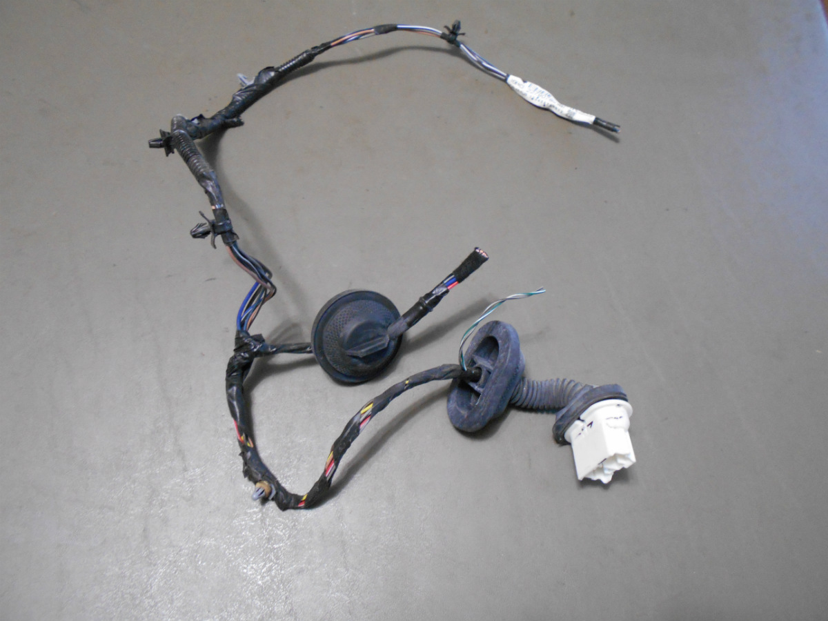 12 2012 Chevy Equinox Drivers Side Rear Door Plugs Into Car Body Actuator Wiring From A Chevrolet