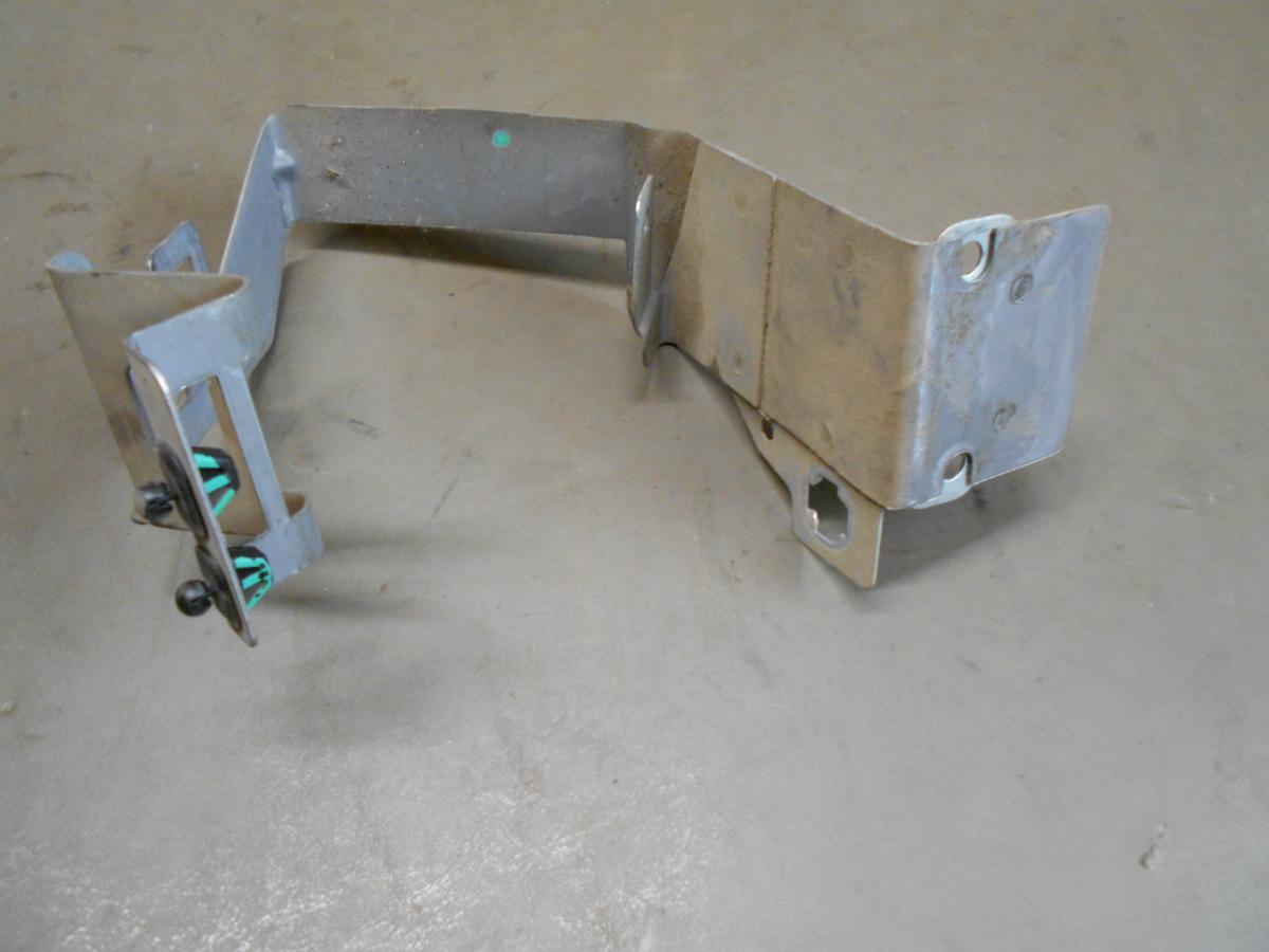 01 02 Chevy Sierra Silverado LH Dash Support Bracket Mounted Fuse Box  Bracket   eBay [ 900 x 1200 Pixel ]