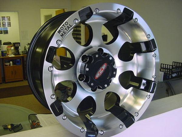 New Moto 17x9 955 Chevy GMC 6 Lug Wheels