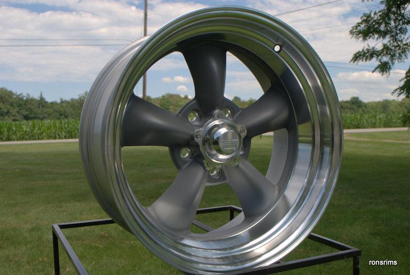 "CHEVY GM BUICK OLDS 5 ON 4.75 BP GREY 15x4 /"" AMERICAN RACING TORQ THRUST D 215"