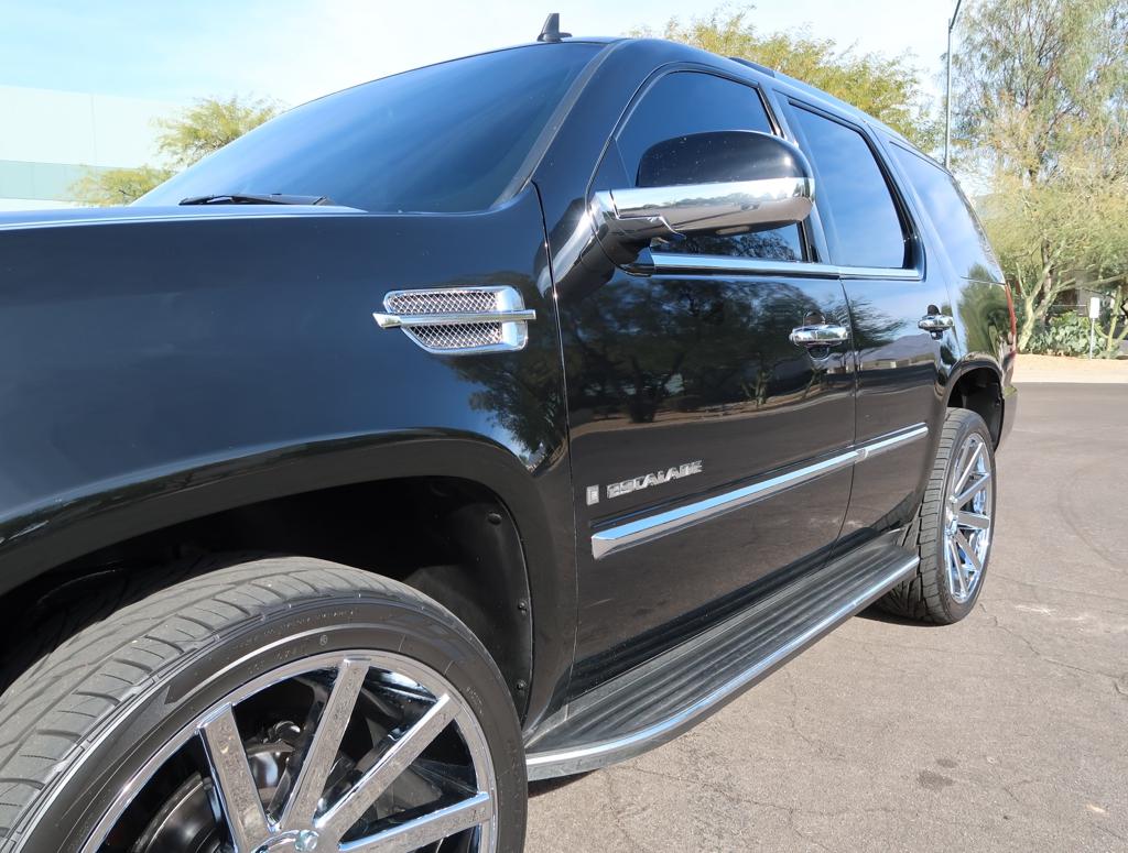 2007 Cadillac Escalade Luxury: AWD Luxury Heated/Cooled Seats Custom 24