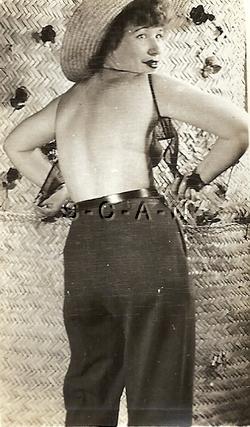 Original Vintage 1950s-60s Nude RP- Lifts Leg- Peek at