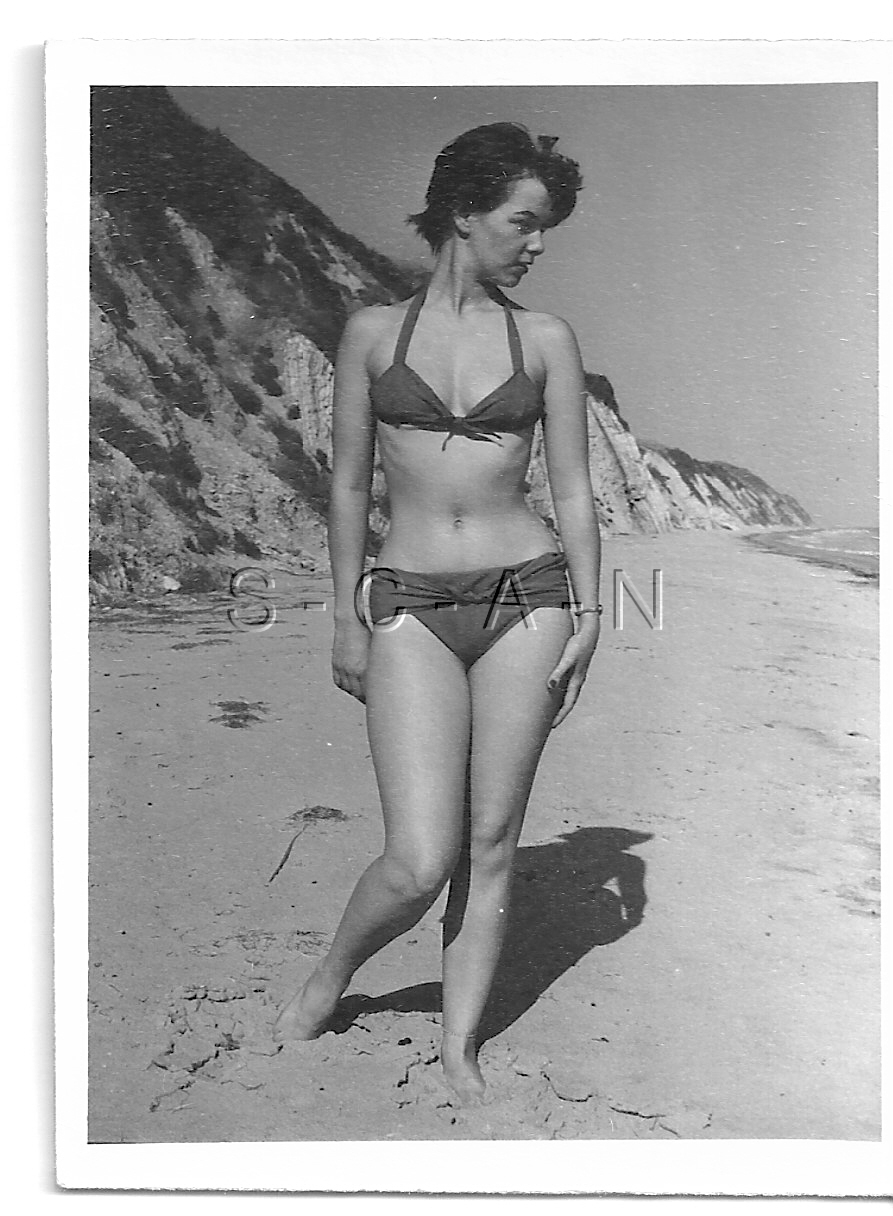 Details In Org Beach 1940s Brunette Rp Vintage Semi About Amateur Nude Endowed Bikini At 60s TFulKJc31