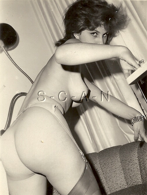 Details about Original Vintage 1940s-60s Nude RP- White Garter Belt-  Stockings- Round Butt
