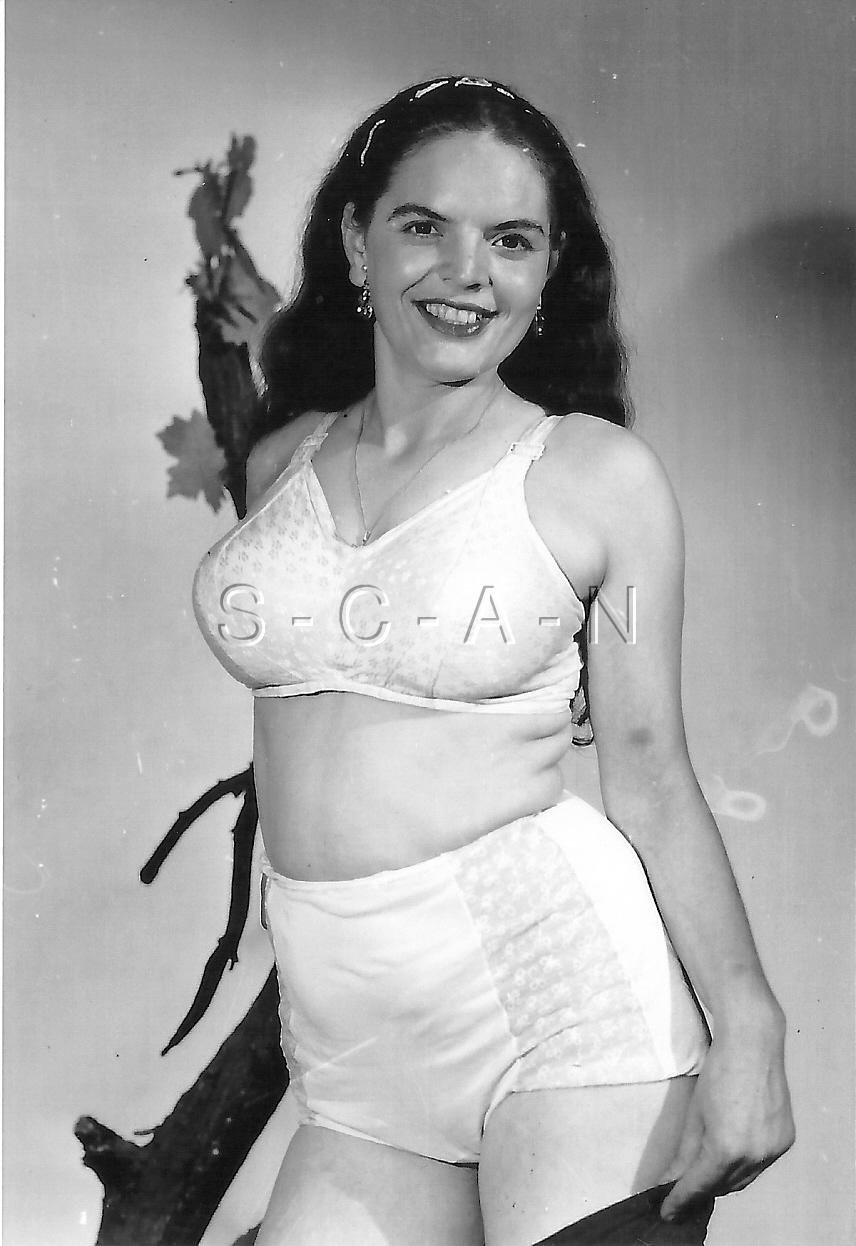 1940S-60S (4 X 6) Repro Risque Pinup RP- Bra- Stockings