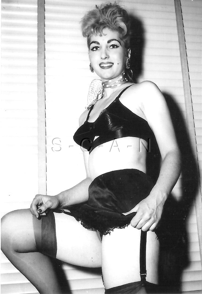 Details about 1940s-60s (4 x 6) Repro Risque Pinup RP- Bullet Bra- Garter-  Silk Panties b618182c9