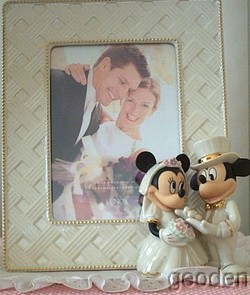 04ec389b4949 Lenox Disney Mickey   Minnie Dream Wedding Frame on PopScreen