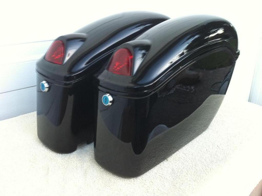 Fy black motorcycle hard saddlebags hard bags magna vtx for Motor cycle saddle bags