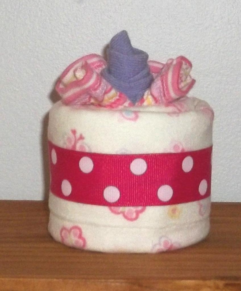 how to make burp cloth cupcakes