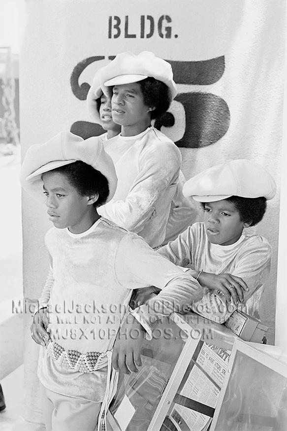 MICHAEL JACKSON  1970 J5 PROMOSHOTS (3) RARE 8x10 PHOTOS