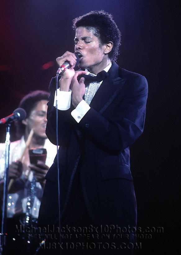 MICHAEL JACKSON1981 IN CONCERT (1) RARE 8x10 PHOTO