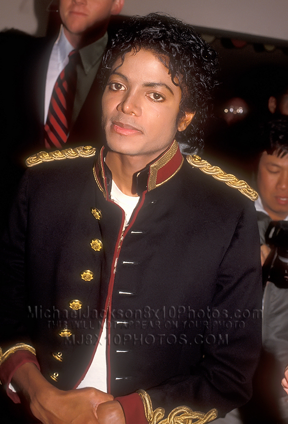 MICHAEL JACKSON  1984 19 BUTTONS (3) RARE 8x10 PHOTOS