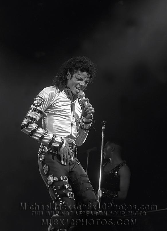MICHAEL JACKSON  1987 BAD TOUR COLORS (4) RARE 8x10 PHOTOS