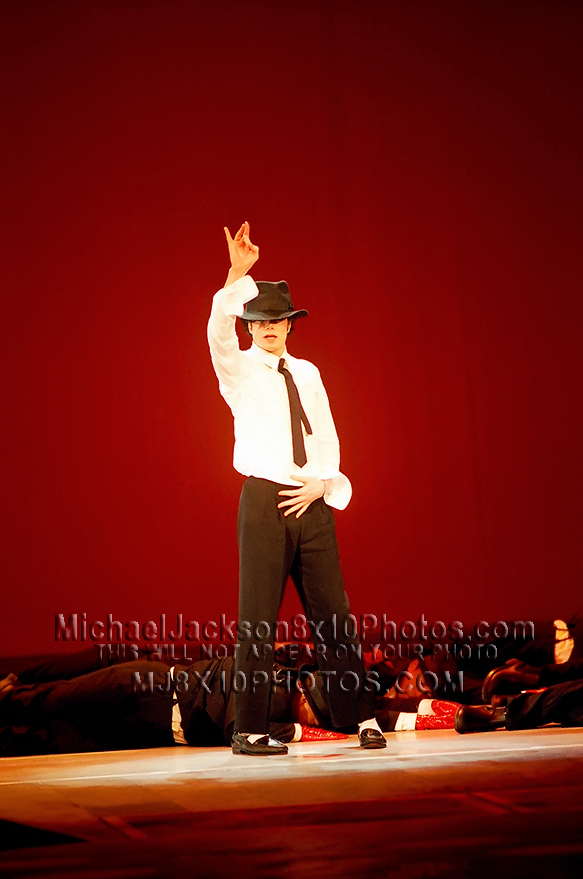 MICHAEL JACKSON  1995BLACKnORANGE LIVE (3) RARE 8x10 PHOTOS
