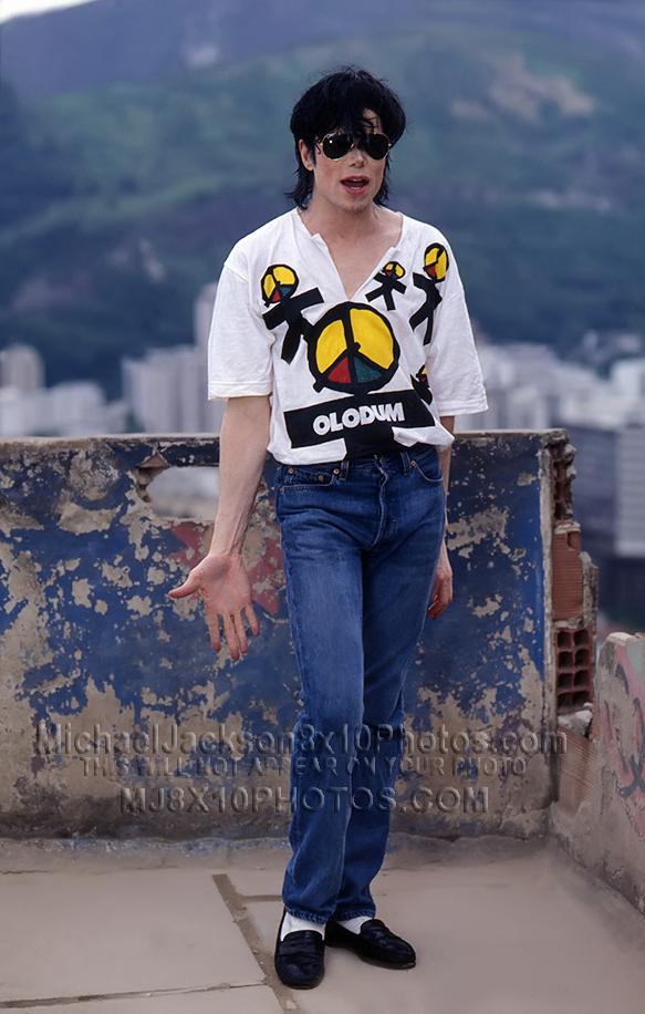 MICHAEL JACKSON 1995 OLODUM ROOFTOP (3) RARE 8x10 PHOTOS