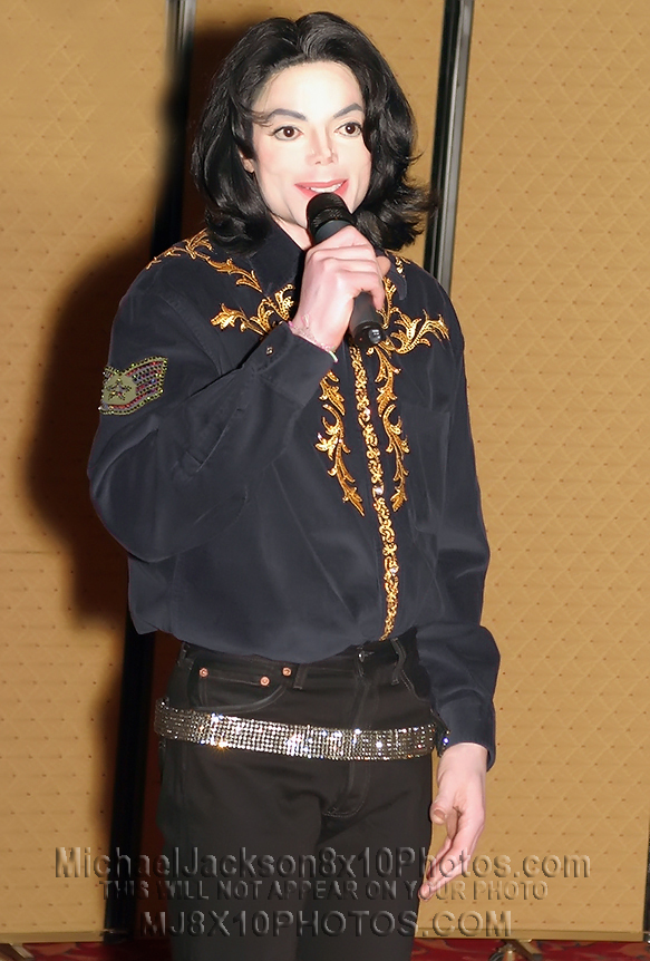 MICHAEL JACKSON  2004 in VEGAS (4) RARE 8x10 PHOTOS
