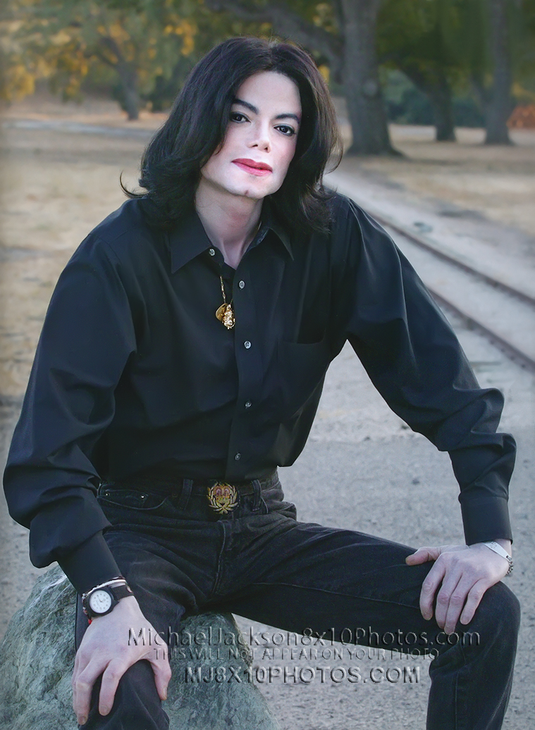 MICHAEL JACKSON 2005 CASUAL in BLACK (1) RARE 8x10 PHOTO