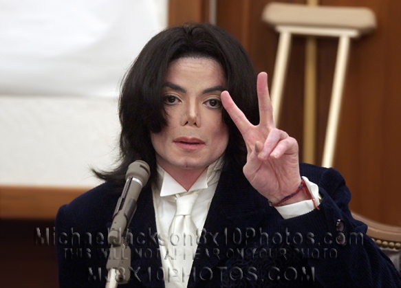 MICHAEL JACKSON 2005 COURTROOM ANTICS (3) RARE 8x10 PHOTOS