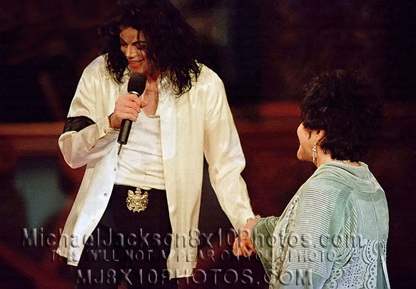MICHAEL JACKSON  97 SONG FOR ELIZABETH (3) RARE 8x10 PHOTOS