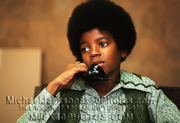 MICHAEL JACKSON  AGE9 LighterandPhone (3) RARE 8x10 PHOTOS