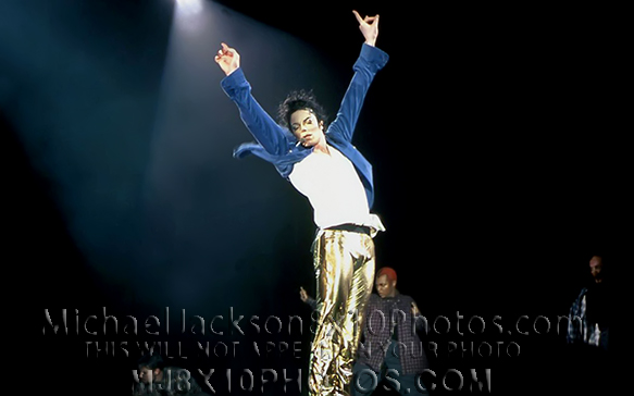 MICHAEL JACKSON  BRUNEI TOUR BLUEnGOLD (3) RARE 8x10 PHOTOS