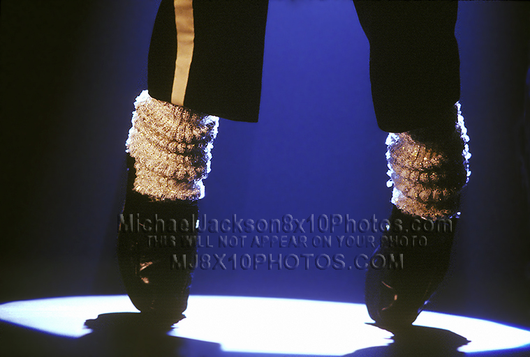 MICHAEL JACKSON FAMOUS FEET (2) RARE 8x10 PHOTOS
