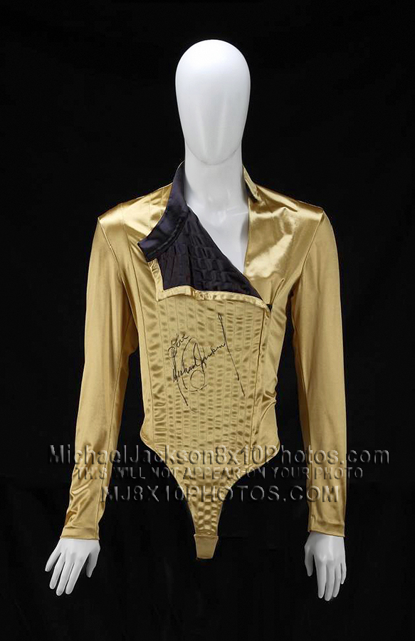 MICHAEL JACKSON HISTORY STAGE OUTFiT (1) RARE 8x10 PHOTO
