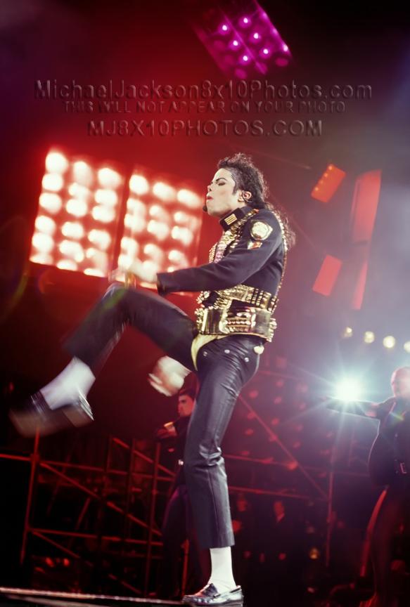 MICHAEL JACKSON HISTORY TOUR  LEG KICK (1) RARE 8x10 PHOTO