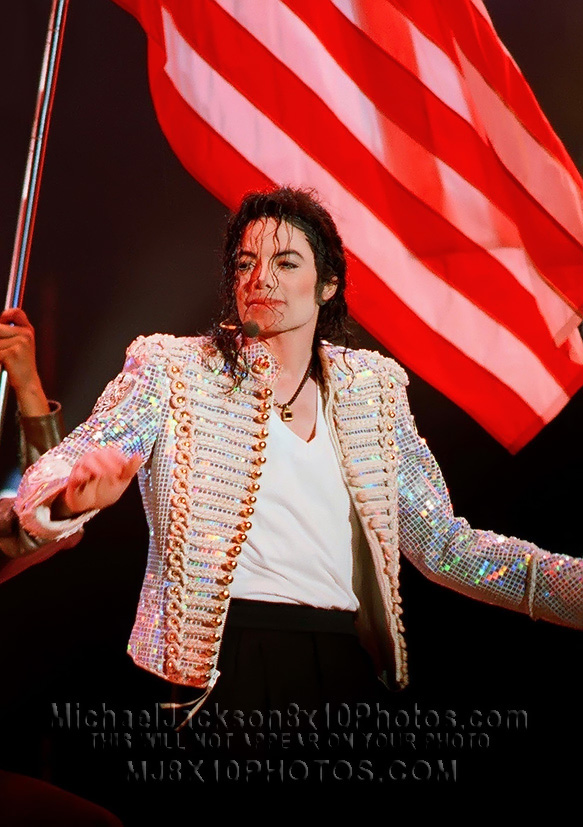 MICHAEL JACKSON  ONSTAGE with FLAGS (3) RARE 8x10 PHOTOS