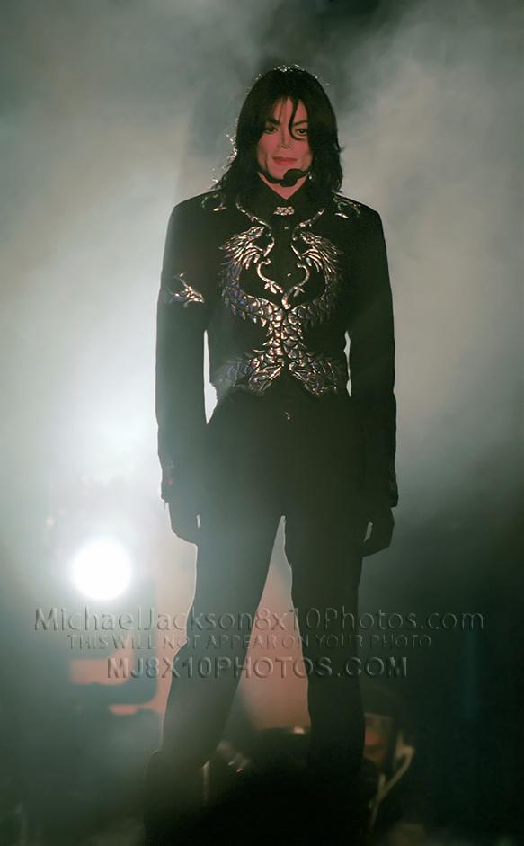 MICHAEL JACKSON  SILVER DRAGON ONSTAGE (3) RARE 8x10 PHOTOS