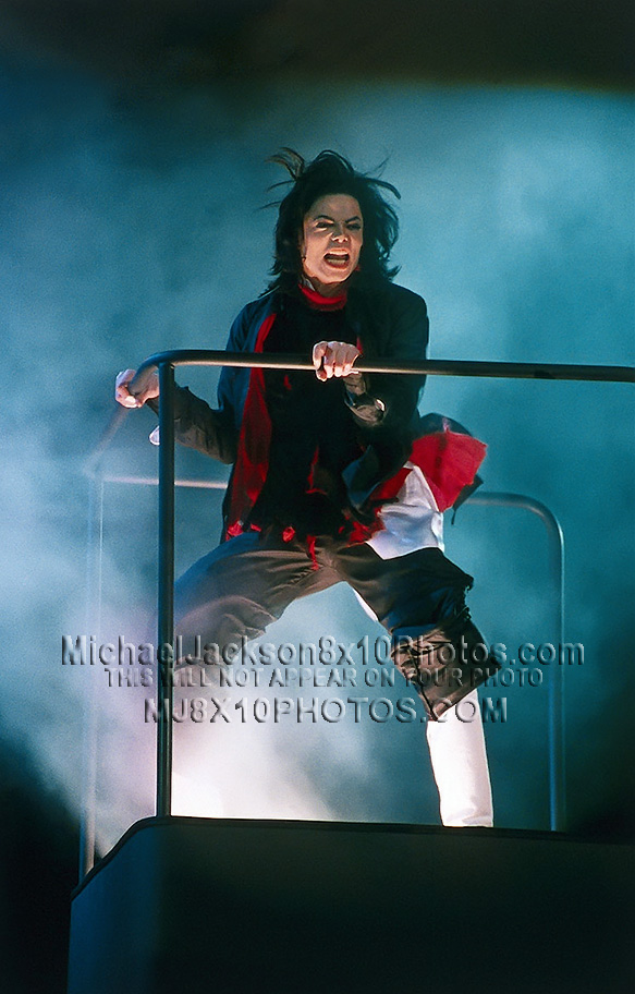 MICHAEL JACKSON  THE EARTHSONG STAGE20 (3) RARE 8x10 PHOTOS