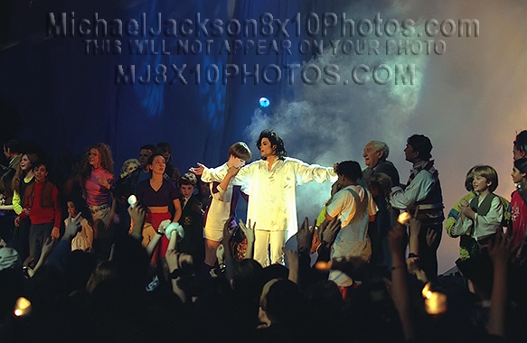 MICHAEL JACKSON  THE EARTH SONG STAGE2 (3) RARE 8x10 PHOTOS
