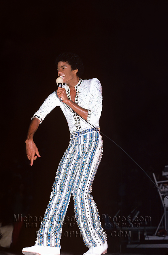 MICHAEL JACKSON  TRIUMPH TOUR STRIPES (3) RARE 8x10 PHOTOS
